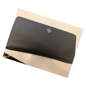 Tory Burch passport  continental wallet